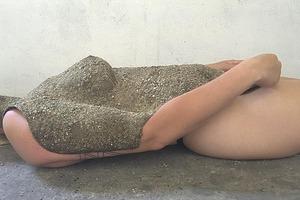 На кого подписаться: Силиконовые скульптуры художницы Эсме Вагеманс