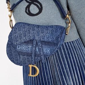 Конец it bag: Почему дорогие сумки больше никому не нужны
