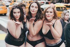 В Нью-Йорке прошёл бодипозитивный показ «The Real Catwalk»