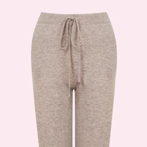 Мир трикотажа: Мягкие и тёплые брюки для холодных дней