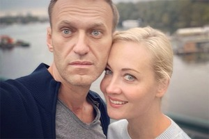 «Он не отступает, и я не буду»: Юлия Навальная — о муже, мечтах и планах в интервью Harper's Bazaar