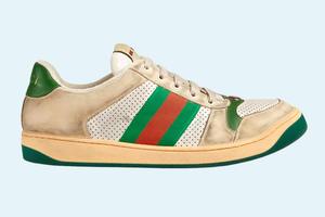Gucci выпустили «поношенные» кроссовки  за 870 долларов