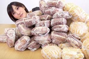 На кого подписаться: Японка, которая ест за десятерых