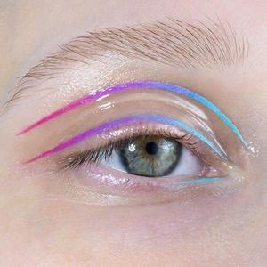 На кого подписаться: 10 инстаграмов с экспериментальным макияжем