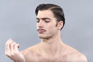 Как изменились стандарты мужской красоты за сто лет