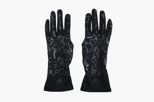 «Кружевные» спортивные перчатки adidas x Stella McCartney