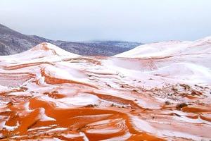 ВЖУХ и в Сахаре выпал снег
