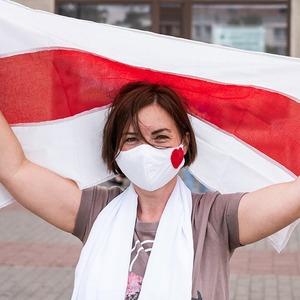 Женщины против президента:  7 важных текстов о протестах в Беларуси