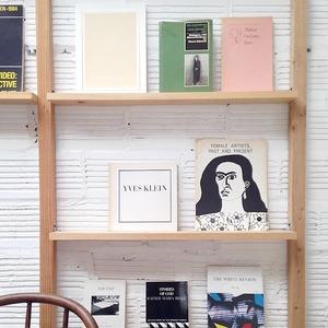 Полежать в гамаке, выпить апероль: 10 классных книжных магазинов мира