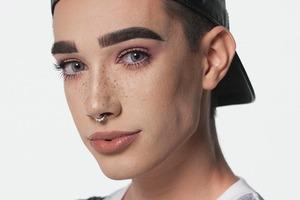 Лицом косметики CoverGirl впервые стал мужчина