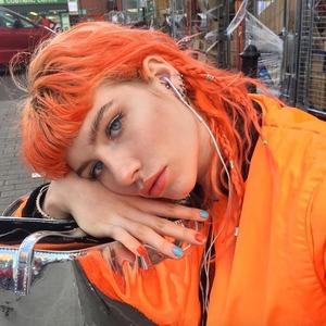 Инструкция: Как красить волосы в яркие и пастельные оттенки