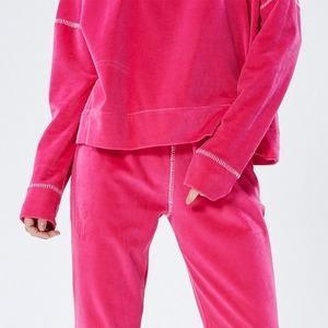 Роскошный комфорт: Возвращение плюшевых костюмов