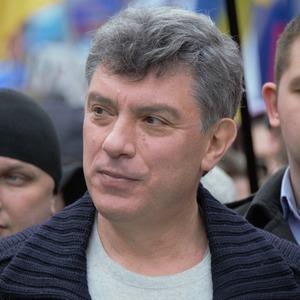 «Давай поцелуемся»: Шесть женских историй о Борисе Немцове
