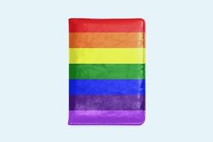 «Левада-Центр»: 47% россиян поддерживают равные права для ЛГБТ