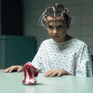 Сериал «Stranger Things»: Сай-фай о пропавшем ребёнке и охоте на монстра