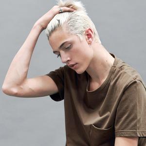 Новое имя:  17-летний музыкант и топ-модель Лаки Блю