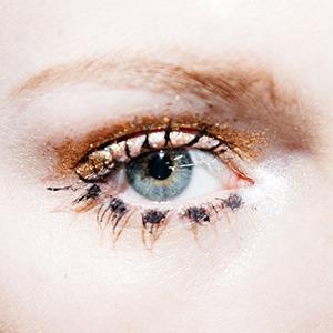 Верь в себя: Девушки  о любимых макияжах  для поднятия духа