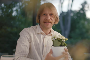 «Я — экосексуал»: Иван Дорн в ролике «Гаража»