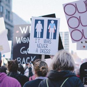 Никогда такого не было и вот опять: Чего хотят участницы «Женского марша»
