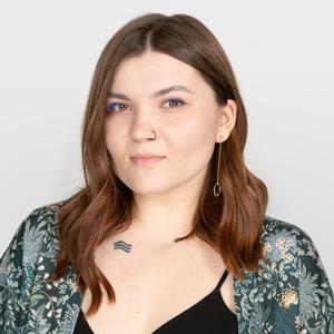 Стилист-парикмахер Лера Колесникова о «Силе пудры» и любимой косметике