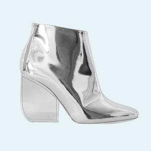 Лаковая обувь: 10 пар от простых до роскошных
