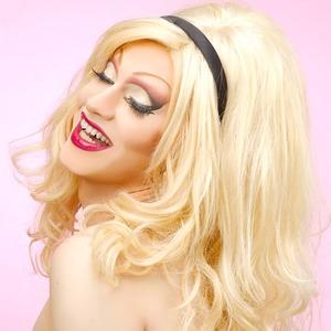 5 ярких косметических кампаний с участием трансгендеров