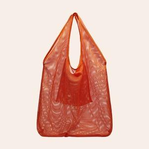 Ношу с собой: 10 сумок-шоперов от простых до роскошных