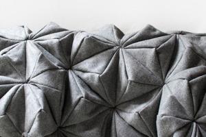 Шерстяной плед-оригами Bloom