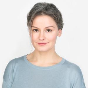 Визажистка и фотограф Юля Сметанина о седине и любимой косметике