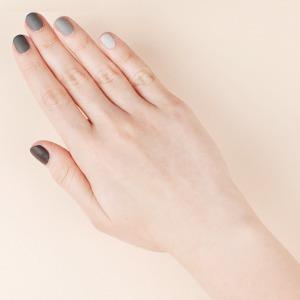 Нейл-арт недели: Серый градиент