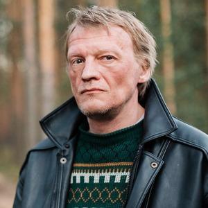 Россия по чесноку: Зачем смотреть хулиганский дебют Александра Ханта