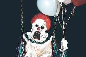 Жители Калифорнии страдают от нашествия жутких клоунов