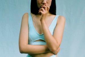 В ФАС назвали «физическим недостатком» маленькую женскую грудь