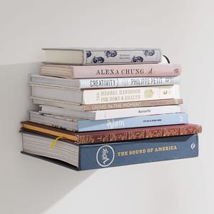 Не больше тридцати: Стоит ли относиться к книгам как к святыне