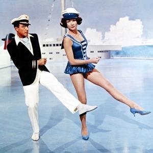 Что можно узнать о стиле  из комедии 60-х  «Что за путь!»
