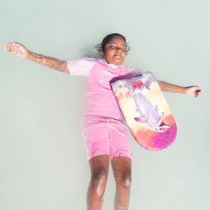 «Weightless»: Мальдивские девушки в океане, который скоро поглотит их страну