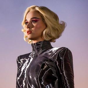 Не без греха: Как музыка привела Кэти Перри из церкви к поп-олимпу