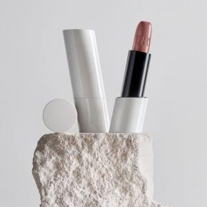 Что запуск декоративной косметики Zara говорит нам об индустрии быстрой моды