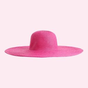 Шляпы, козырьки и панамы: 25 головных уборов на лето