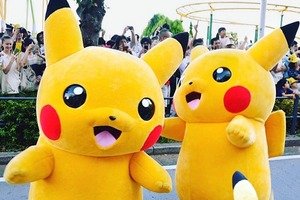 В Японии прошёл парад огромных Пикачу