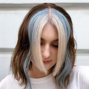 Текстурный боб, растушёвка и не только: Стилисты-парикмахеры о тенденциях в стрижках и окрашивании