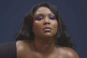 Новое имя: Бодипозитивная певица, рэперша и ЛГБТ-икона Lizzo