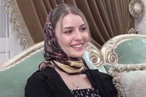 В Дагестане полицейские ворвались в кризисную квартиру и увезли сбежавшую из-за побоев девушку