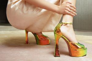 На кого подписаться: Дизайнер Амина Муадди, которая возвращает моду на очень высокие каблуки