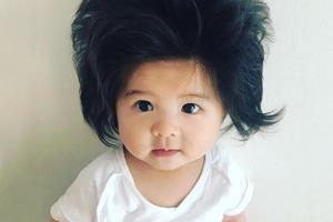 На кого подписаться: Маленькая японка с классной причёской