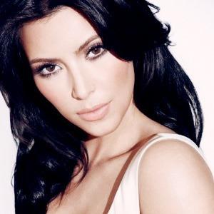 Как и почему Ким Кардашьян попала  на обложку Vogue