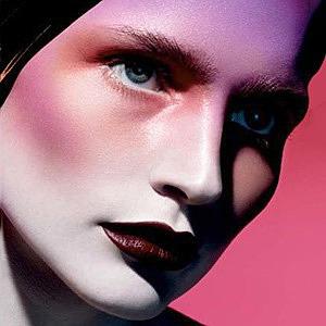 Почему увлекаться косметикой не зазорно