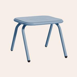Кресла, ящики и столы дивной красоты: 25 вещей для балкона и сада