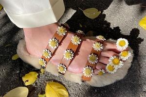 На кого подписаться: Обувь из цветов, фруктов и других неочевидных вещей