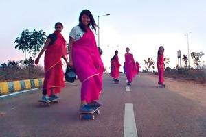 Видео дня: скейтбордистки из Индии в клипе «Alpha Female»